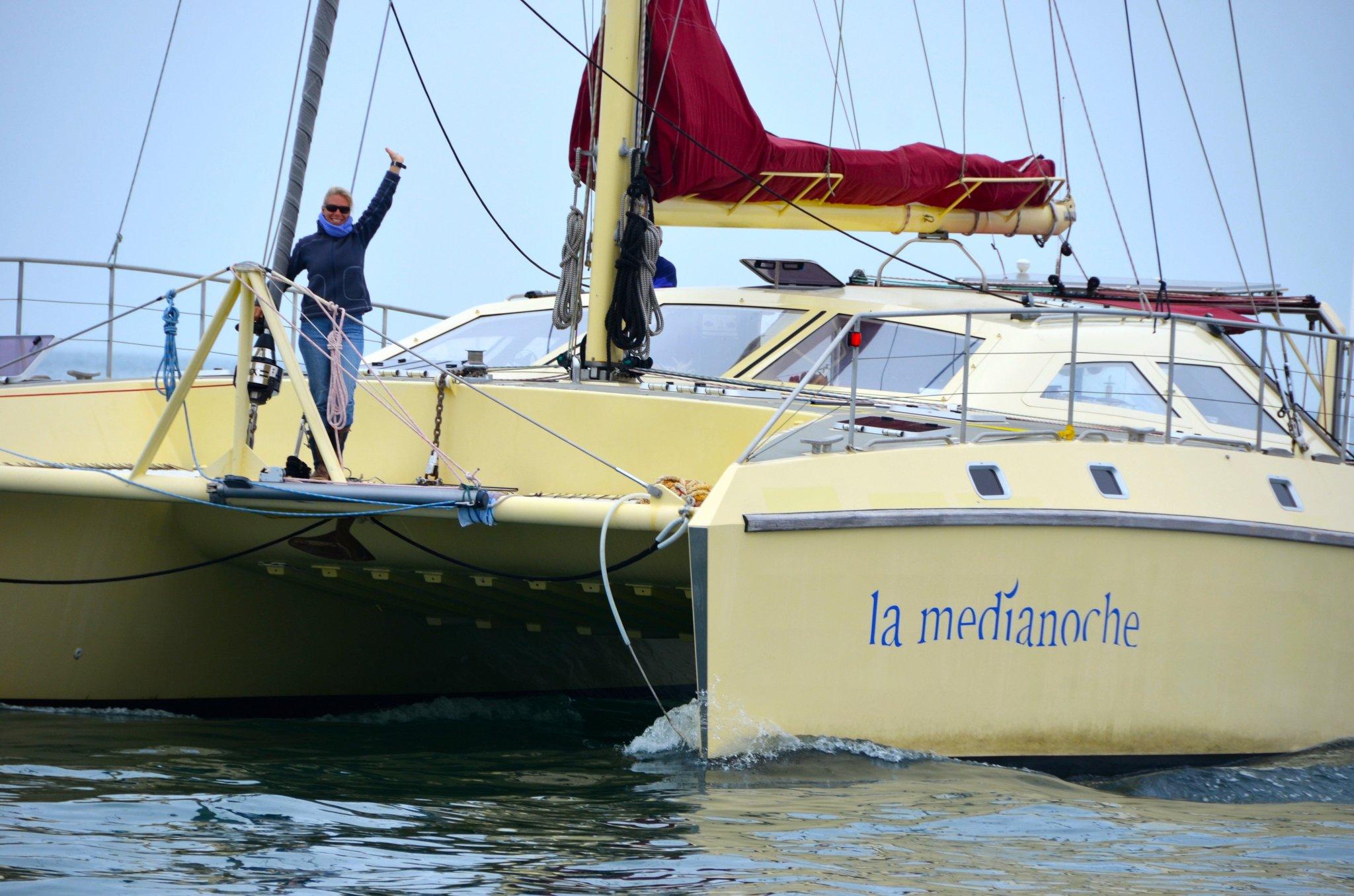 Mareike-Guhr-La-Medianoche-Sailing