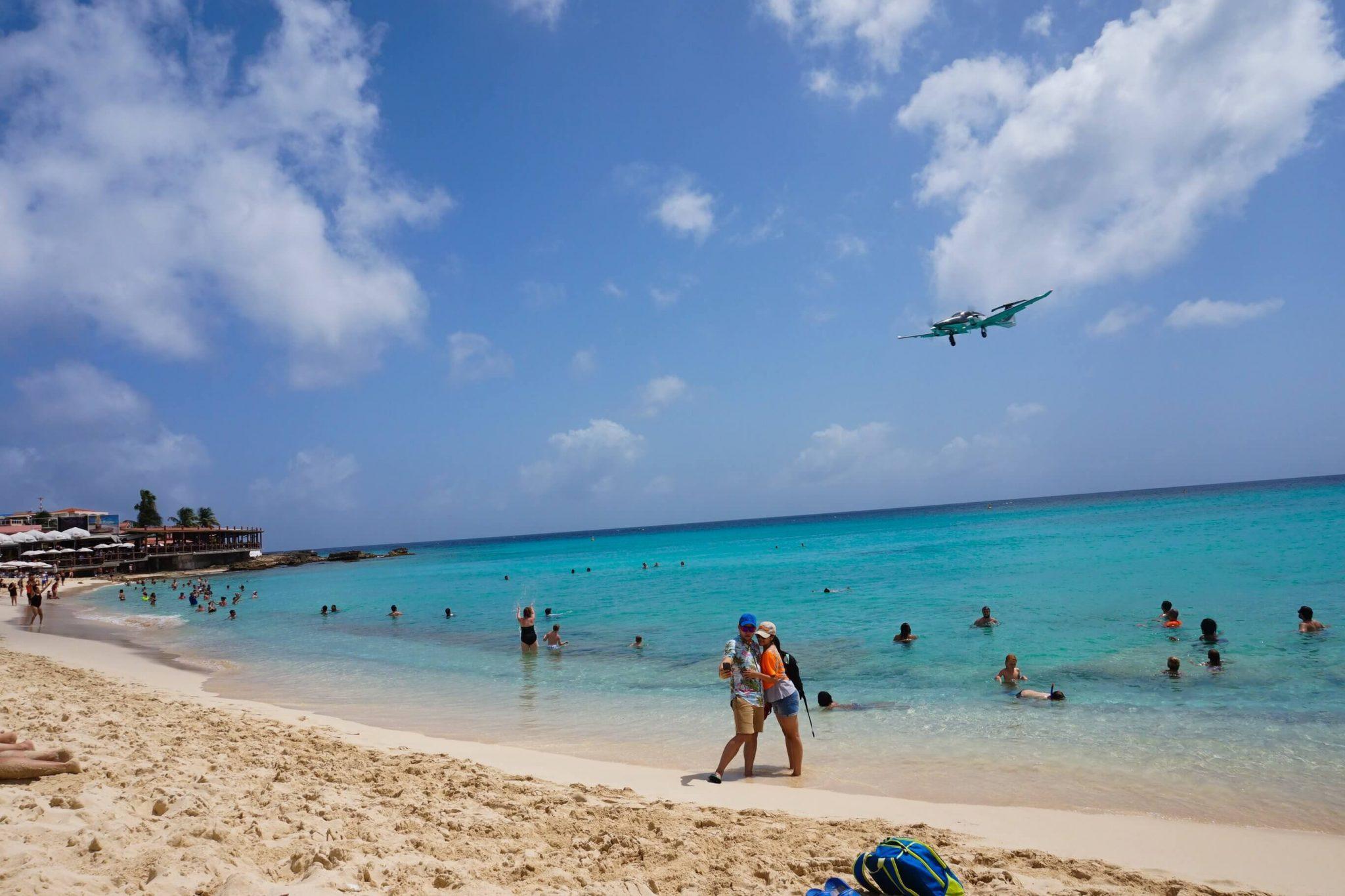 Nomad-Cruise-St-Maarten-Plane