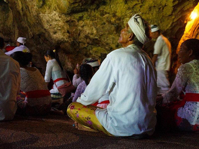 Bali-Nusa-Penida-Goa-Giri-Puteri